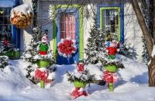 Проводится конкурс на лучшее новогоднее оформление фасадов зданий и прилегающей территории.