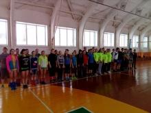 Состоялись соревнования по волейболу и настольному теннису среди школьников