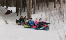 «Покатушки на ватрушках» организовал совет молодежи Унинского городского поселения