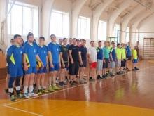 Межрайонные соревнования по волейболу среди молодежных команд прошли на «Ура»