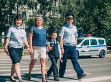 Сотрудники ГИБДД усилили меры по обеспечению дорожной безопасности на пешеходных переходах вблизи школ Кировской области
