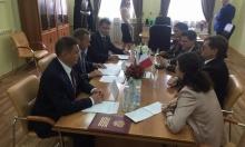 Заместитель полпреда Алексей Кузьмицкий провел рабочую встречу с Чрезвычайным и Полномочным Послом Республики Мальта в РФ Пьером Аджусом