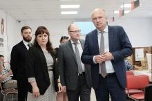 Андрей Плитко проинспектировал работу кировского МФЦ