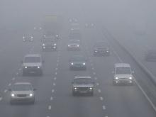 Кировские автоинспекторы напоминают водителям о предельной внимательности на дорогах в туман