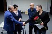 Игорь Васильев поздравил коллектив Театра на Спасской с премией Правительства РФ