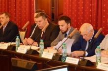 В Кировской области обсудили реализацию основных положений Указа Президента № 204