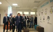 Игорь Комаров в Кировской области обсудил реализацию нацпроектов и посетил новую школу