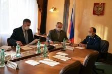 Какие проблемы волнуют жителей региона? Владимир Климов провел прием граждан