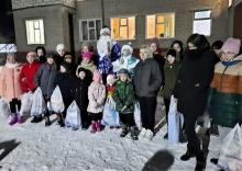 Кировские почтовики подарили новогодние подарки воспитанникам детского дома