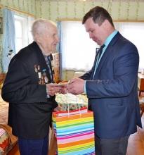 Глава района поздравил ветеранов войны с праздником