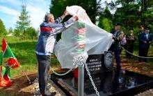 В Унинском районе открыты два памятника воинам-пограничникам