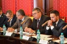 Главный федеральный инспектор по Кировской области провел совещание о реализации программы капитального ремонта