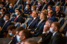 «Важно понимать людей, хорошо знать их проблемы», - сказал  Игорь Комаров на церемонии вступления в должность губернатора  Ульяновской области Алексея Русских